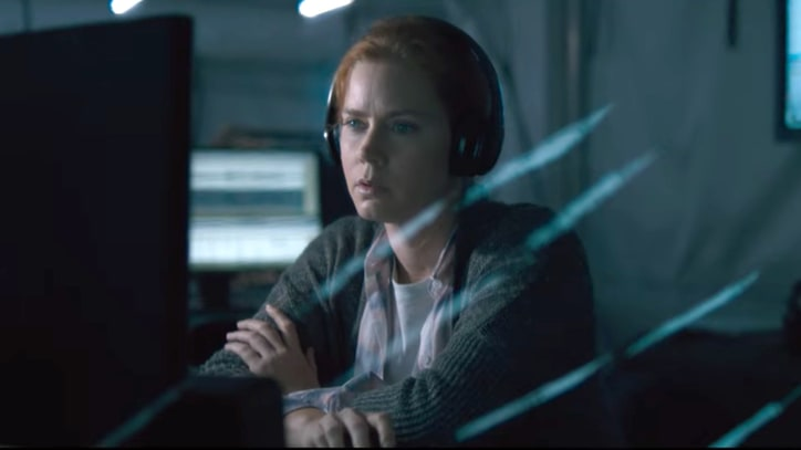 Watch Amy Adams Make Contact With Aliens in 'Arrival' Trailer