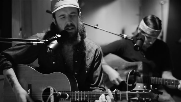 Watch Alex Williams' Somber Acoustic Version of 'Last Cross'