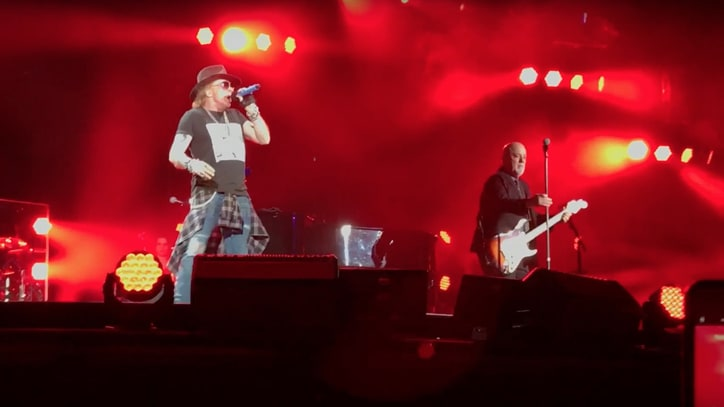See Axl Rose Sing 'Highway to Hell' With Billy Joel in Minneapolis