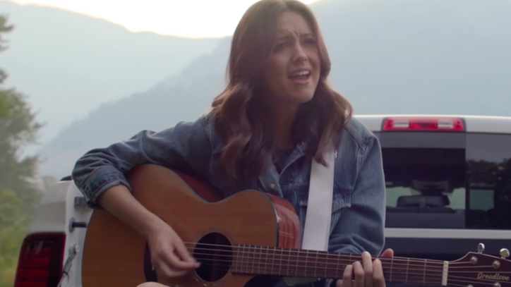 See New Singer Bailey Bryan's Stunning Tour of Her Cascade Mountain Town