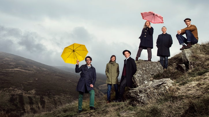 Belle and Sebastian Preview Three New EPs With Tranquil 'I'll Be Your Pilot'