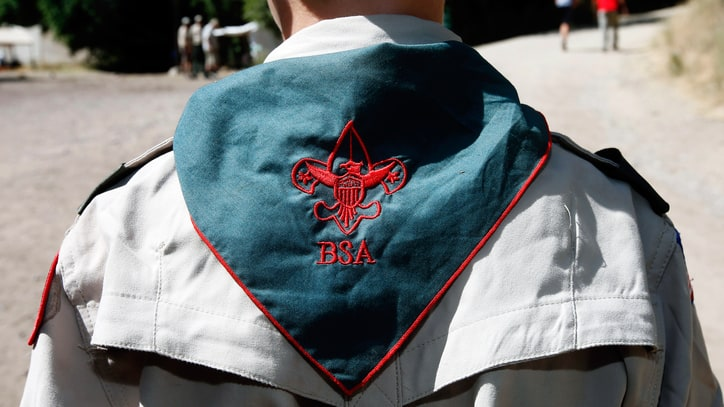 Boy Scouts of America to Allow Girls to Enroll in Program