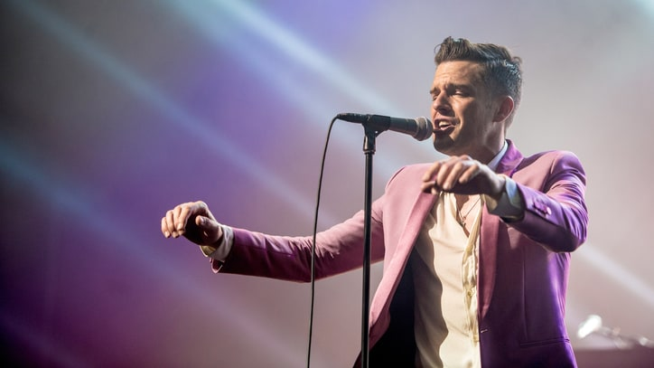 Watch the Killers' Rousing Cover of Bob Dylan's 'Blowin' in the Wind'