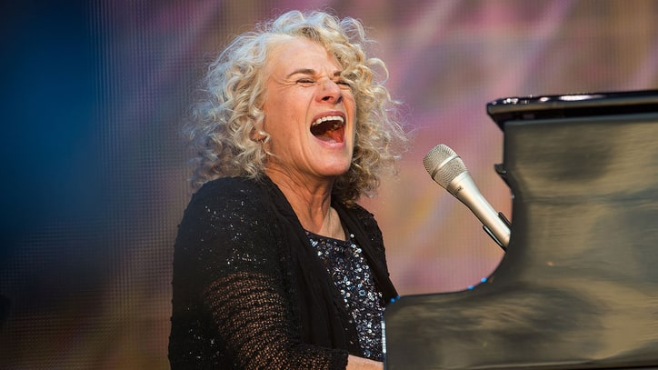 Carole King Revisits 1983 Song 'One Small Voice' After Women's March