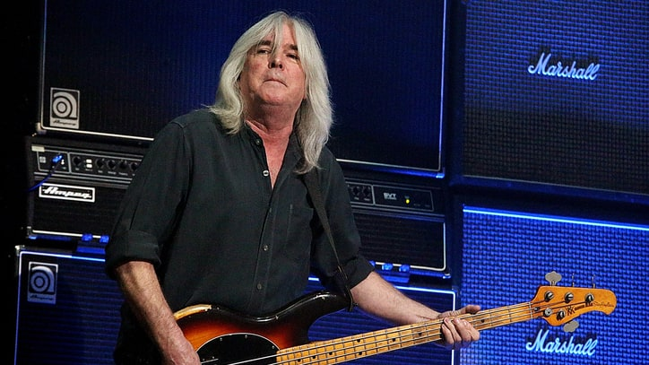 Watch AC/DC Salute Cliff Williams at Bassist's Final Show