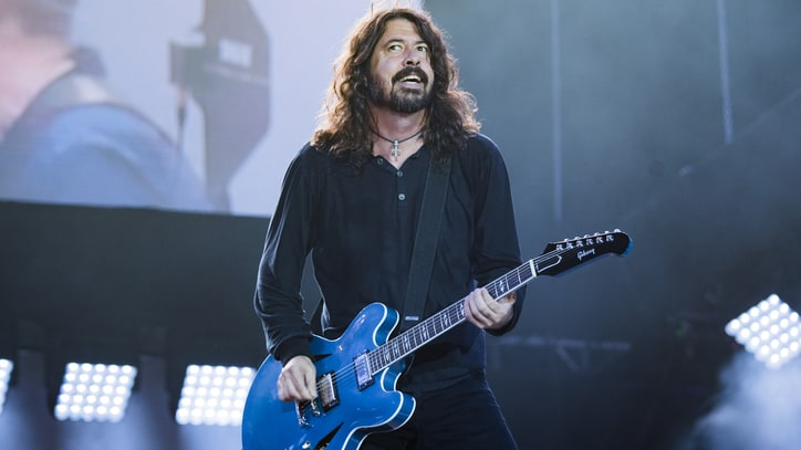 Dave Grohl Talks Directing Kids, Neil DeGrasse Tyson Influence for New Foo Fighters Video