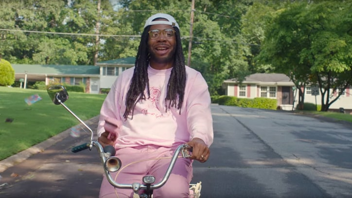 Watch D.R.A.M.'s 'Big'-Inspired Toy Piano in 'Cash Machine' Video