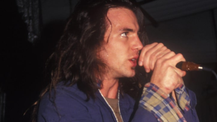 Flashback: Pre-Fame Eddie Vedder Sings 'Better Man' in 1989