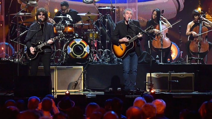 Watch Jeff Lynne's ELO Dazzle With 'Evil Woman,' 'Mr. Blue Sky' at Rock Hall