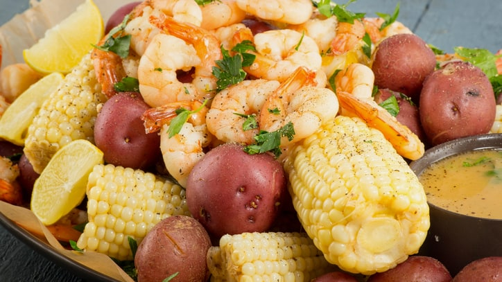 The Shrimp Boil: That's Entertainment, New Orleans-style