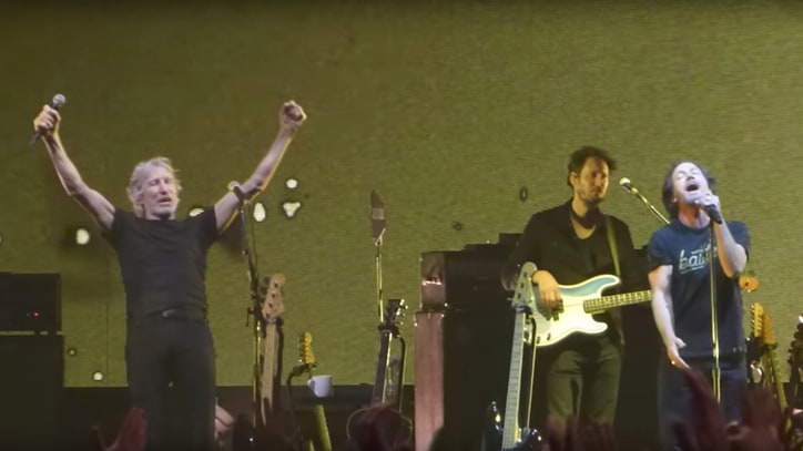 See Eddie Vedder Perform 'Comfortably Numb' With Roger Waters