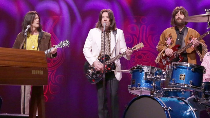 Watch Jimmy Fallon, Kevin Bacon Struggle to Spell Singing Kinks' 'Lola'