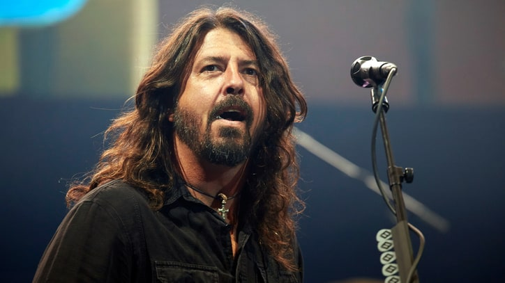 Fans Criticize Foo Fighters' Ticket Policy in London