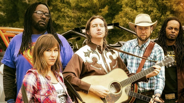 See 'Justified' Band Gangstagrass Mix Rap, Bluegrass on 'Diesel Fumes'