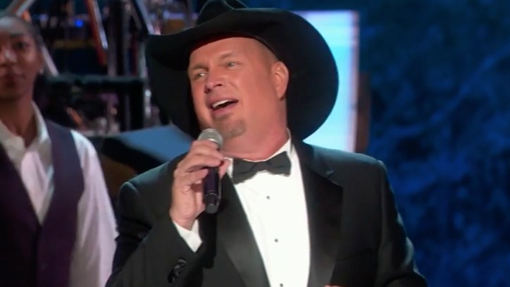 See Garth Brooks, Darius Rucker Sing for James Taylor at Kennedy Honors