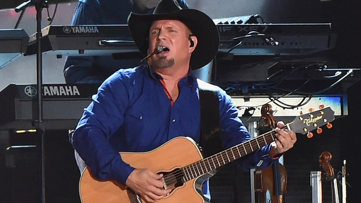Garth Brooks, Jerry Reed Set for Musicians Hall of Fame