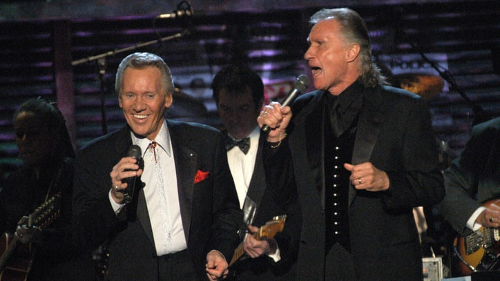 Flashback: Righteous Brothers Play 'Lovin' Feeling' at Hall of Fame