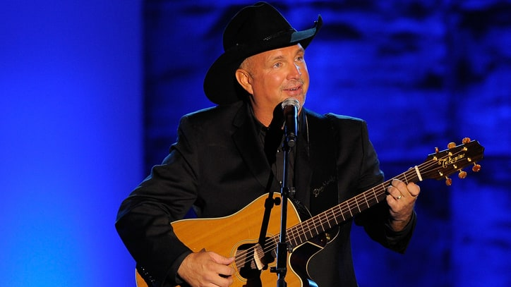 Garth Brooks to Host Free Fan Celebration in Nashville