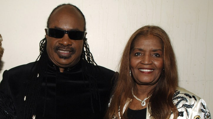 Stevie Wonder Pays Tribute to Motown Songwriter Sylvia Moy