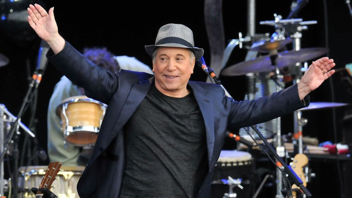 See Paul Simon's 'Diamonds on the Soles of Her Shoes' From 'Hyde Park' Live LP