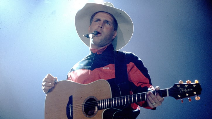 Garth Brooks Readies Mammoth Music, Book Anthology Set
