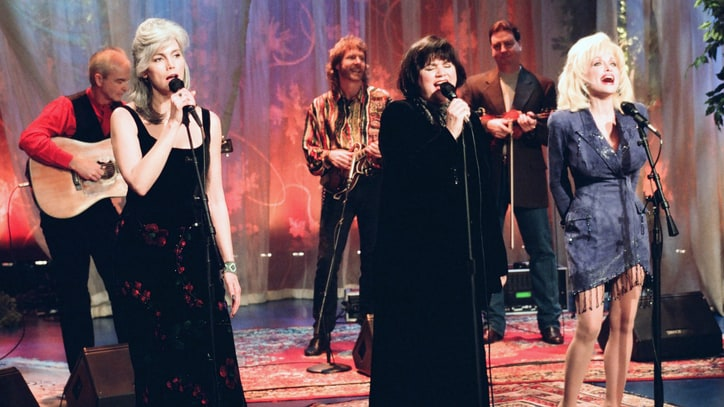 Flashback: Parton, Ronstadt, Harris Share 'Those Memories of You'