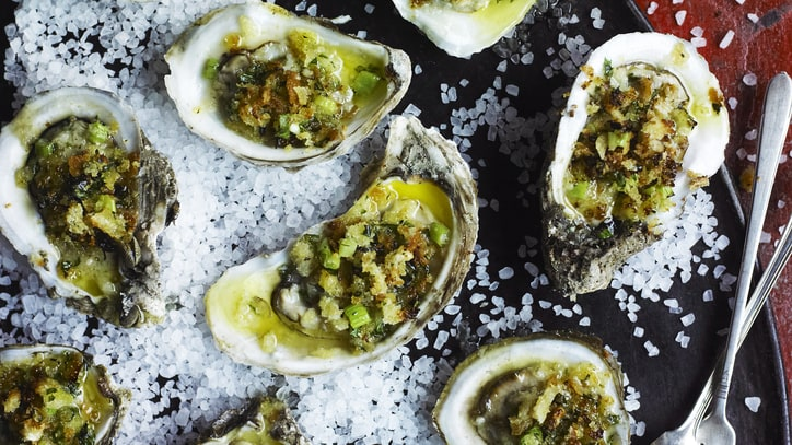 12 Tips for Serving Oysters at Home