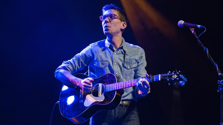 Review: Justin Townes Earle Refracts Roots Music on 'Kids in the Street'