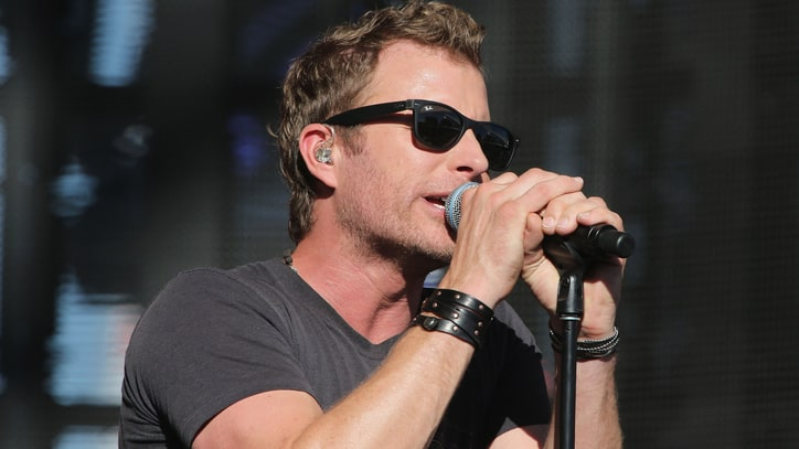 Dierks Bentley to Perform at NFL Opener in Denver