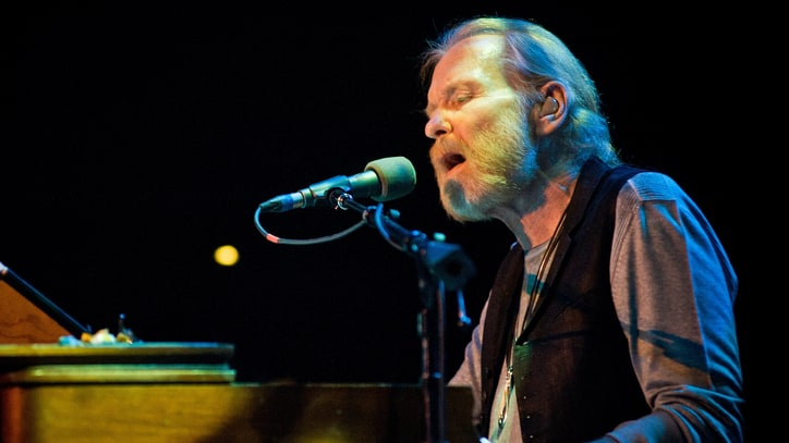 10 Stunning Gregg Allman Covers by Country Artists