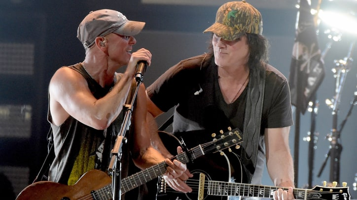 Hear David Lee Murphy, Kenny Chesney's Breezy New 'Everything's Gonna Be Alright'