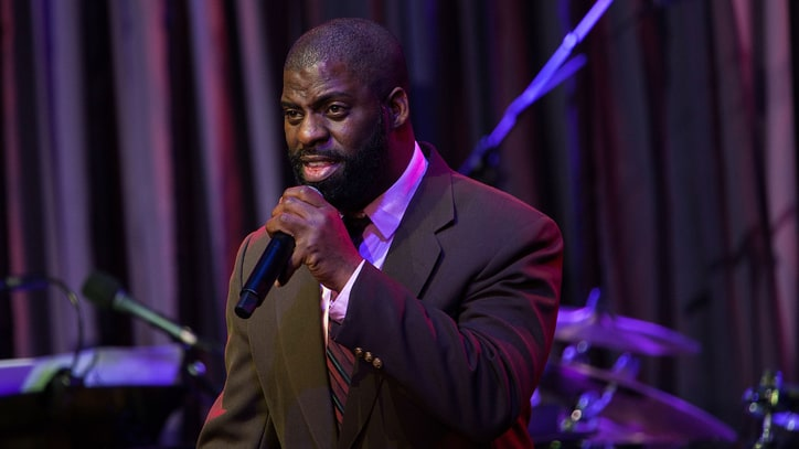 Rhymefest Films Mistreatment by Police While Reporting Robbery
