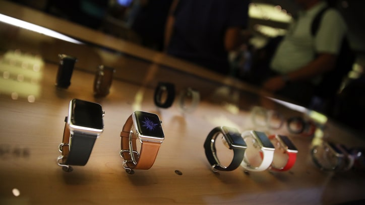 Sorry, Early Adopters, It's Time to Toss Out Your Old Apple Watch