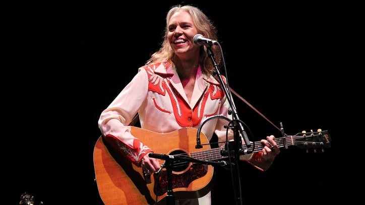 See Gillian Welch's Quirky 'Dry Town' Video