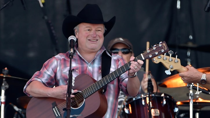 Watch Mark Chesnutt's Poignant Merle Haggard Tribute Video