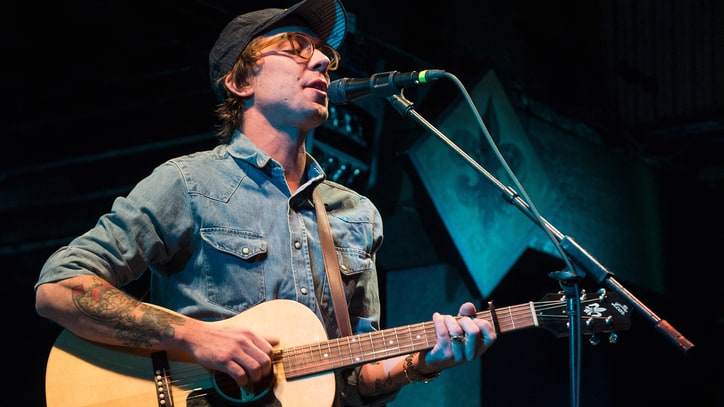 See Justin Townes Earle's Sweet, Nostalgic 'Maybe a Moment' Video
