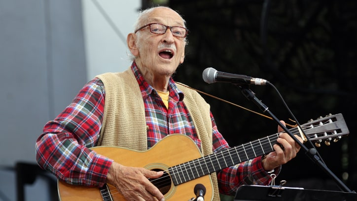 Fred Hellerman, Last Living Member of Folk Group the Weavers, Dead at 89