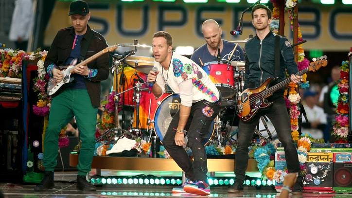 Watch Coldplay Perform 'Don't Panic,' Partner with Refugee Charity