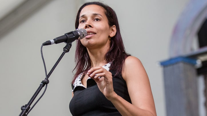 Rhiannon Giddens Plans 2017 Spring and Summer Tour