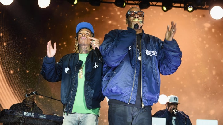 Railing Collapse at Snoop Dogg, Wiz Khalifa Concert Injures 42