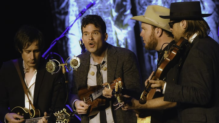 Old Crow Medicine Show Ready Live Album of Dylan's 'Blonde on Blonde'