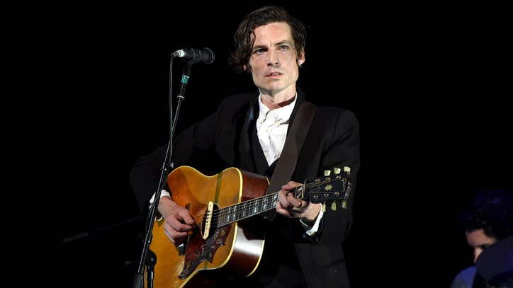 See Augustana's Dan Layus at Home in Solo 'Driveway' Video