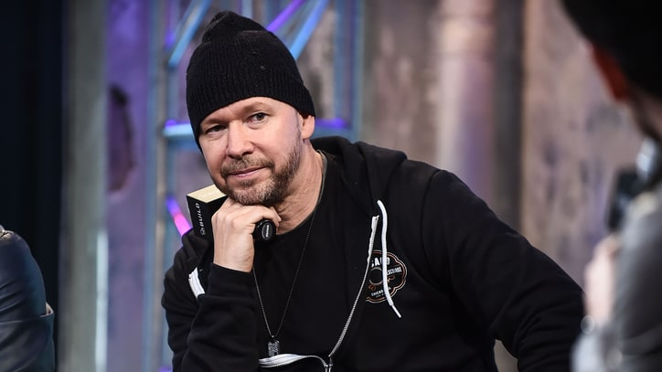 Donnie Wahlberg, Nick Lachey Team for Boy Band Reunion Sitcom 'Encore'