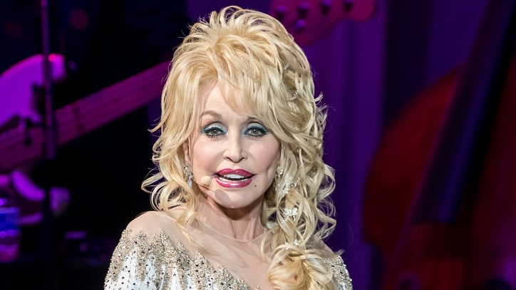 Dolly Parton Readies Children's Book Based on 'Coat of Many Colors'