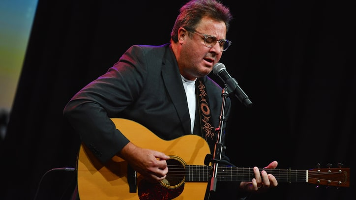 See Vince Gill and Charlie Worsham's Delicate 'The Key to Life'