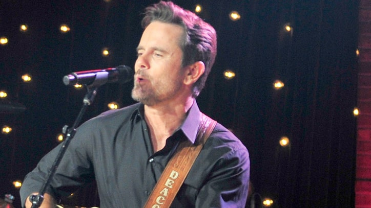 Hear Charles Esten's Enlivening 'Through the Blue'