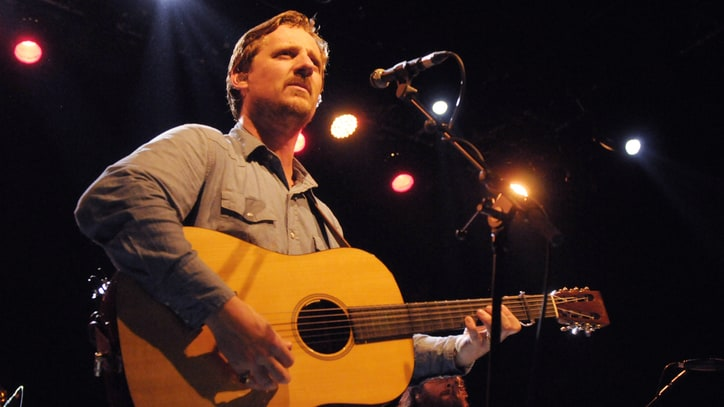 See Sturgill Simpson's Brassy 'Life of Sin' at Farm Aid