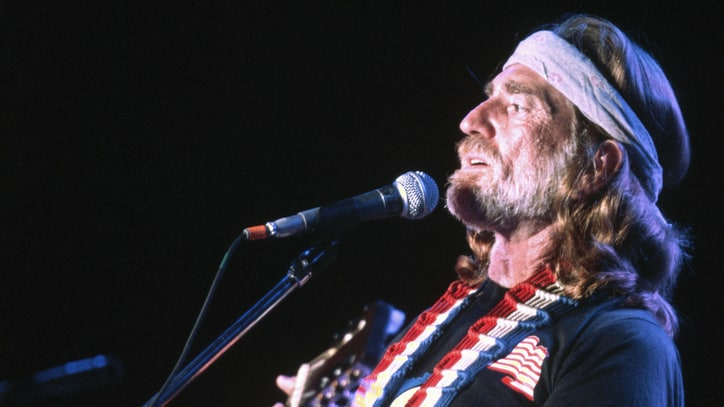Flashback: See Willie Nelson's 'City of New Orleans' at First Farm Aid