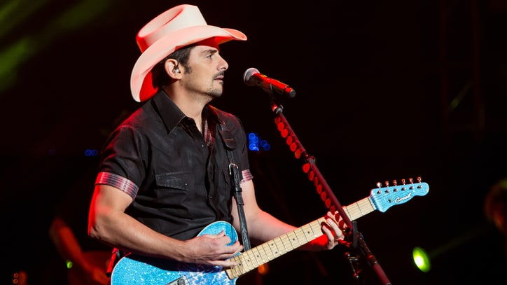 Brad Paisley Plans 2016 Country Nation College Tour