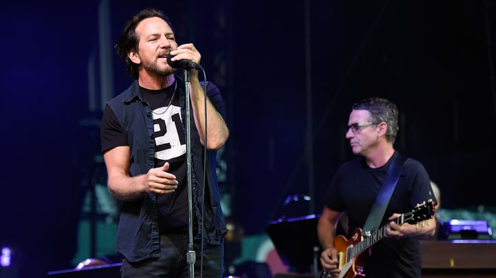 See Pearl Jam Cover Aerosmith's 'Draw the Line' at Fenway Park